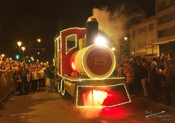 Foto 23 81-loco.jpg